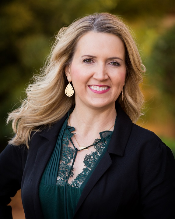 R+F Consultant Michelle Carnahan headshot